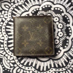 Luis Vuitton man wallet